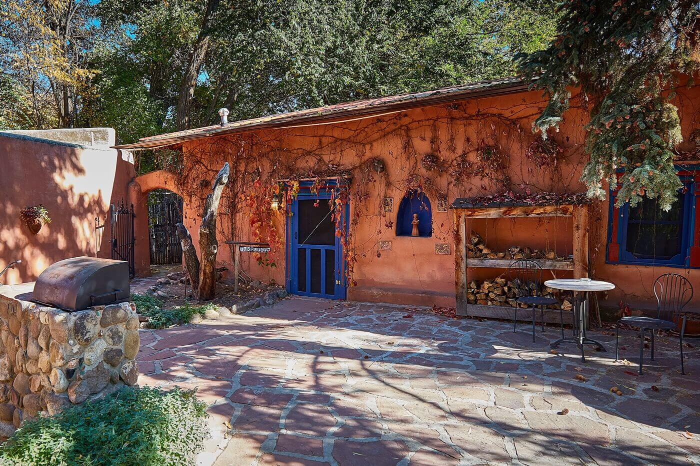 Courtyard to taos bed and breakfast