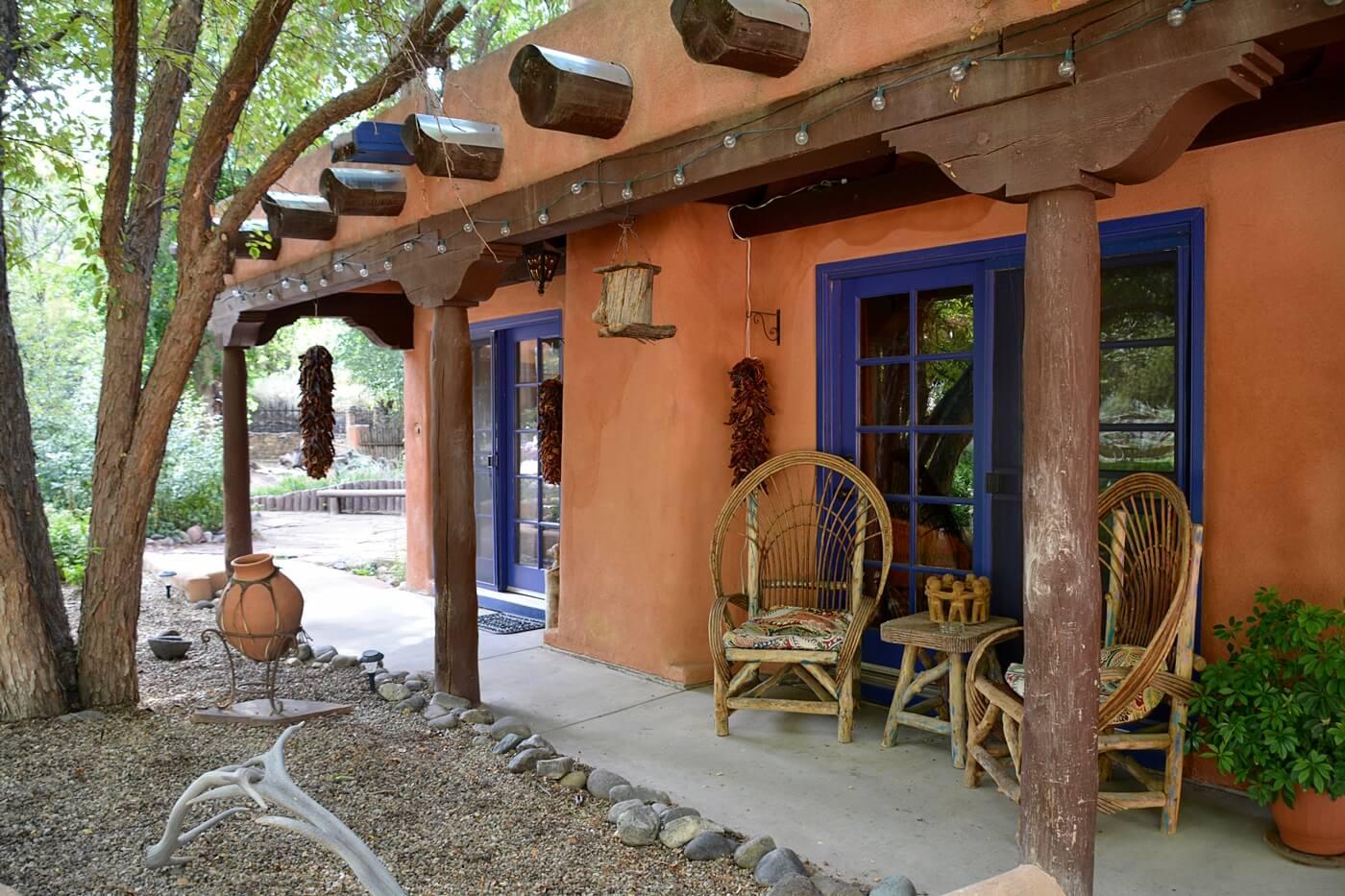 Private porch and entrance